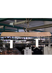 Clothes hanger - wooden, with clips - 39cm Z30062 HN2