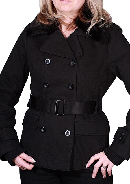 dámský zimní dvouřadový plášť ,s odepínacím kožešinovým límcem,spodní kapsy patkové, na rukávech spony. D73270