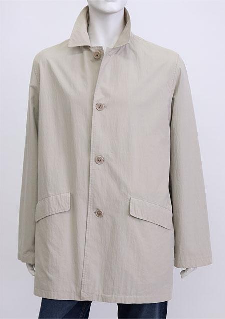pánský plášt zapínaný na 4 knoflíky. přední kapsy patkové. středem zd šev. H70770